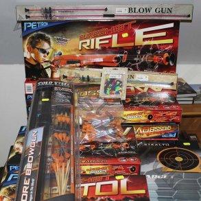 Pusterør og legetøjs våben