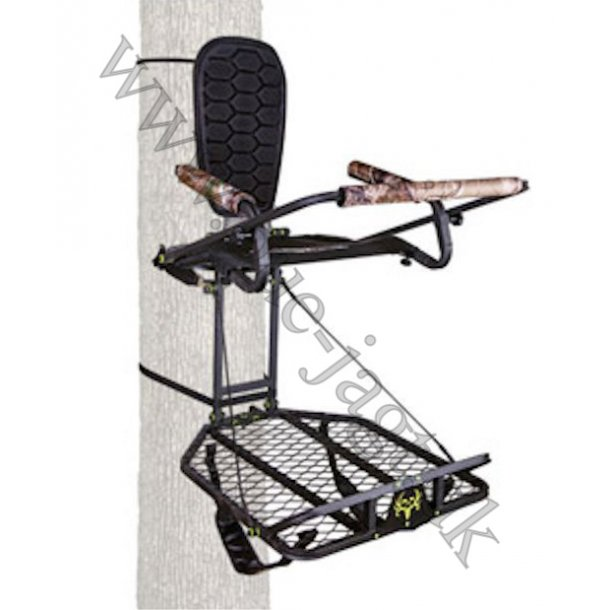 Bone Collector Deluxe Hang-On Backpack Treestand